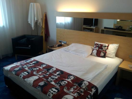 Arcotel Allegra Zagreb: Bed