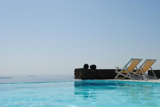 Aenaon Villas : pool