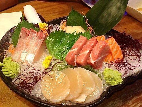 Tsukitei Japanese Dining: Sashimi selection