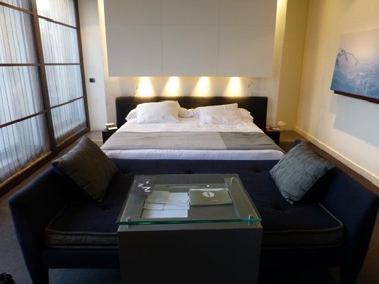 ホテル シックスティーツー, ベッド