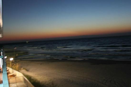 Westgate Myrtle Beach Oceanfront Resort: before sunrise