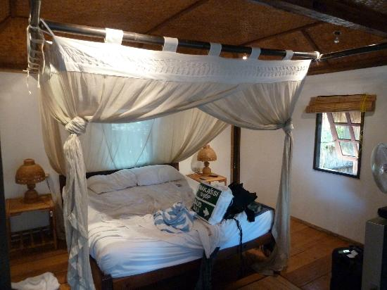 The Beach House Resort: the tree house room