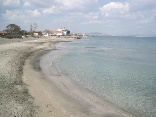 Grand Hotel Pomorie: Пляж