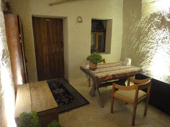 Safran Cave Hotel: outdoor