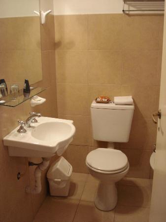 Abadia Hotel Apart: baño
