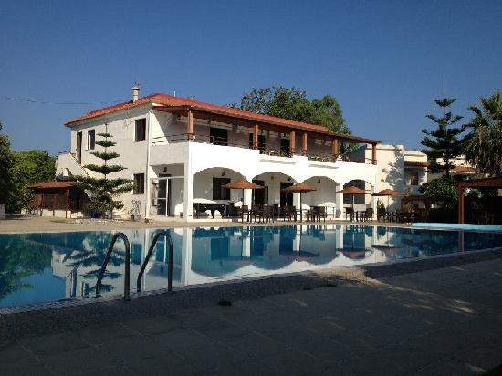 Vallian Village Hotel: The main reception and restaurant