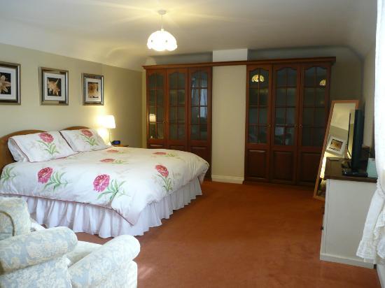 Biss Barn Bed & Breakfast: Acorn Bedroom