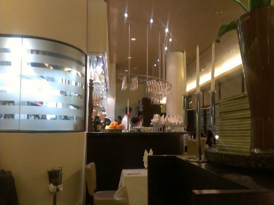Röhrbein: Blick auf die Bar