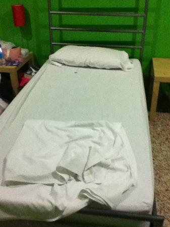 Indigo Youth Hostel: My prison bed