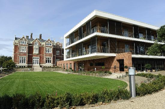 Wivenhoe House