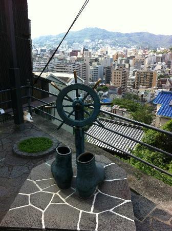 Statue of Ryoma Sakamoto's Boots: ぶーつ像からの眺め