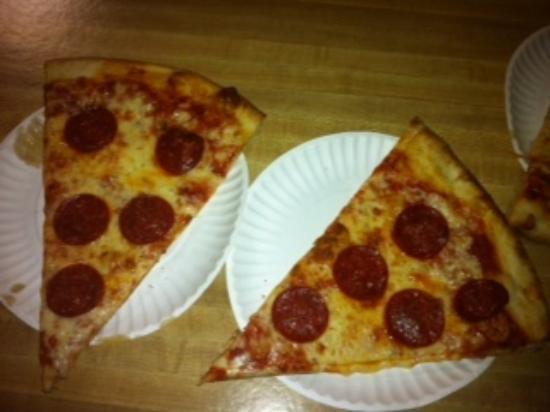 Empire State Pizza: Pepperonie Heaven