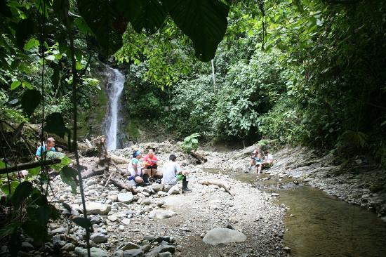 Selva Bananito Lodge: Lunch at the waterfall