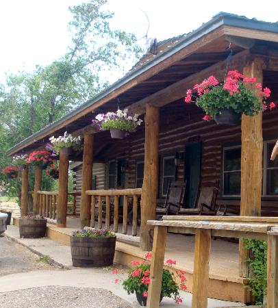 Wapiti Lodge: Lodge