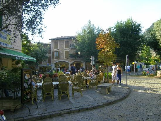 Es Petit Hotel de Valldemossa: the quaint village