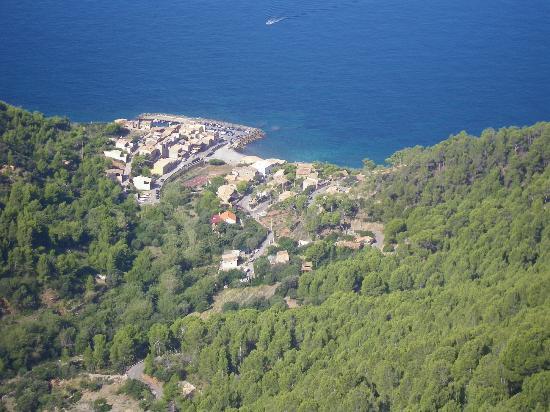 Es Petit Hotel de Valldemossa: puerto de valdemossa, Michael Douglas has a place here