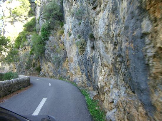 Es Petit Hotel de Valldemossa: driving to puerto de valdemossa