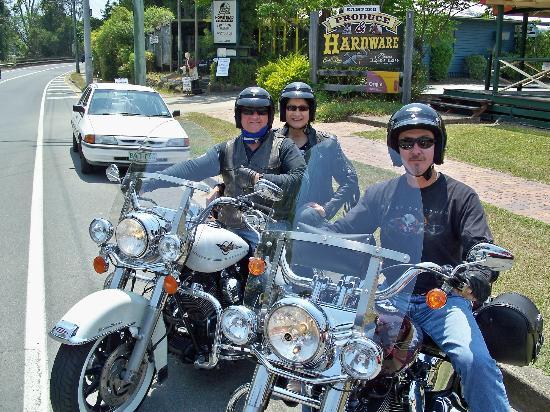 Double Shot Motorcycle Tours: Daz & Chez and Rod