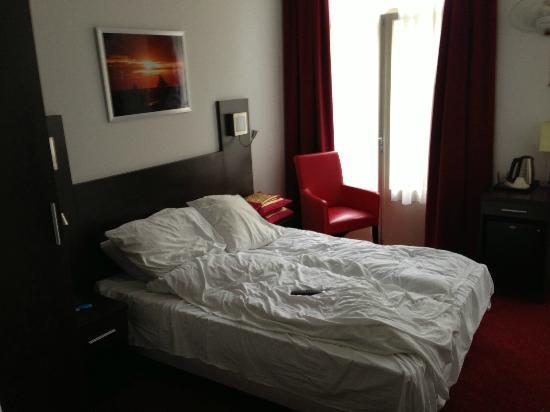 هوتل آلور: Room 