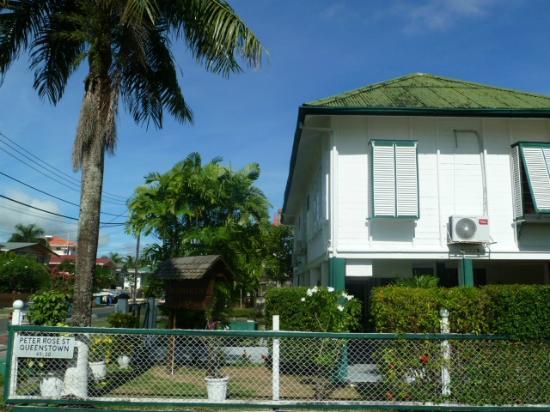 Herdmanston Lodge -- Guyana Hotels: Herdmanston Lodge