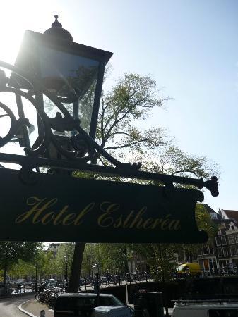 Hotel Estherea: Entrada