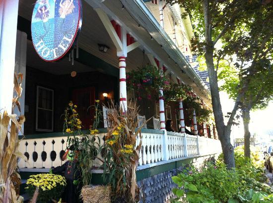 Pequot hotel porch