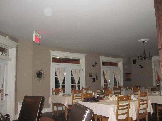 Auberge Le Voyageur: Dining room