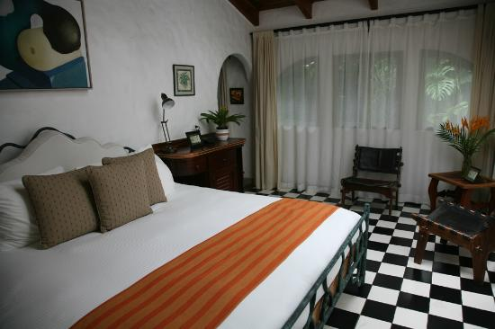 Finca Rosa Blanca Coffee Plantation & Inn: Bedroom of Las Aves