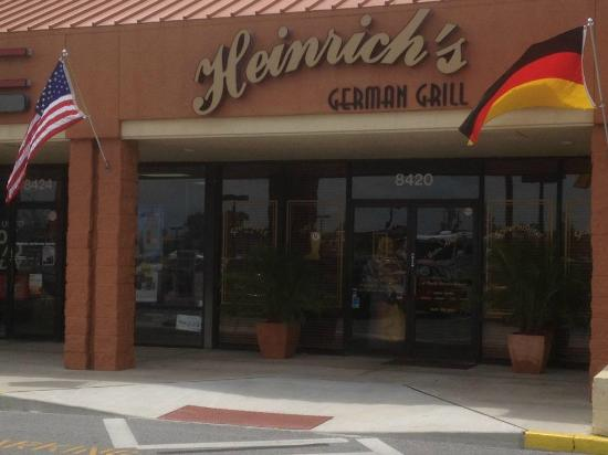 Heinrich's German Grill : View from parking lot
