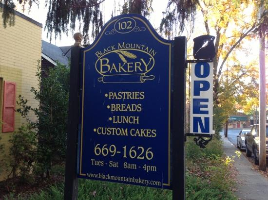 Black Mountain Bakery: Do not recommend.