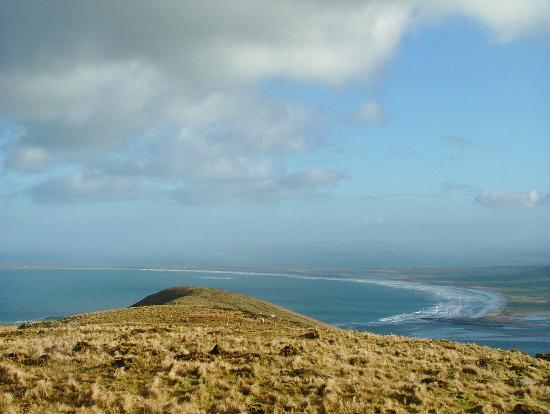 Mount Brandon Hostel: View from Faha ridge overlooking Cloghane towards Killshannig