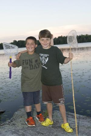 Quimby Country Lodge & Cottages: Boys Fishing