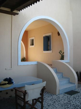 Anemoessa Villa : Access to Rooms