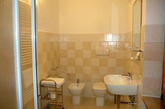 Da Momo : Il bagno di una camera