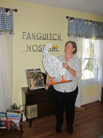 Red Brick Inn of Panguitch B&B: peggy and the duck