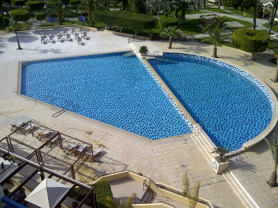 Elias Beach Hotel: Clean pool