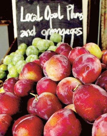 The Sussex Produce Company: Local plums and greengages from Graham Love