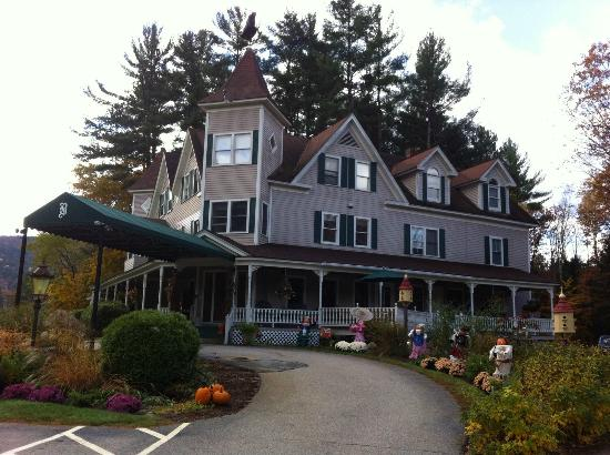 Bernerhof Inn Bed and Breakfast : Beautifully Decorated for Fall