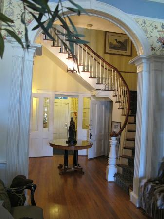 The Cuthbert House Inn: Entry way