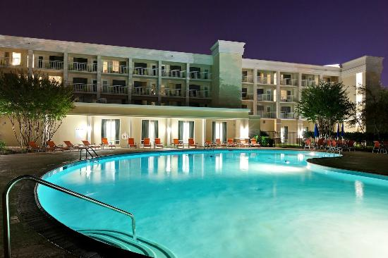 Holiday Inn & Suites Atlanta Airport - North: Outdoor Pool