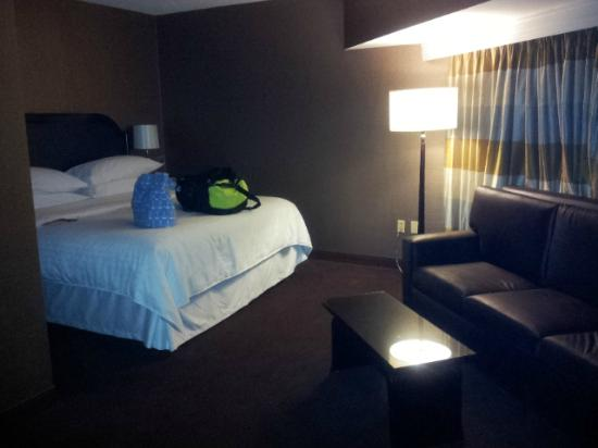 Sheraton Columbus at Capitol Square Hotel : SPG room