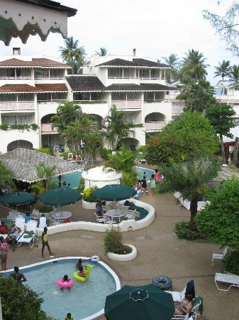 Bougainvillea Beach Resort: Resort Grounds