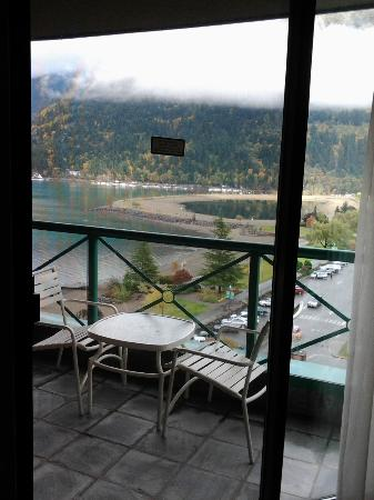 Harrison Hot Springs Resort & Spa: view from the small balcony