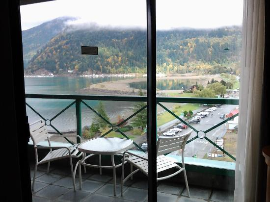 Harrison Hot Springs Resort & Spa: 2nd large balcony
