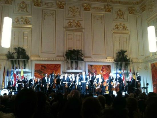 Vienna Hofburg Orchestra: Hofburg Orchestra