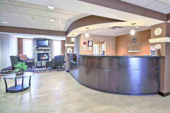 Comfort Suites Lewisburg: Lobby