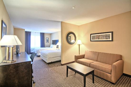 Comfort Suites Lewisburg: Spacious Suite with 2 Queen Beds and sofa bed