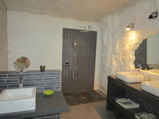 TrogloDelice: salle de bain