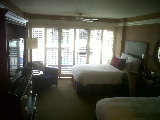 Portola Hotel & Spa at Monterey Bay: Room