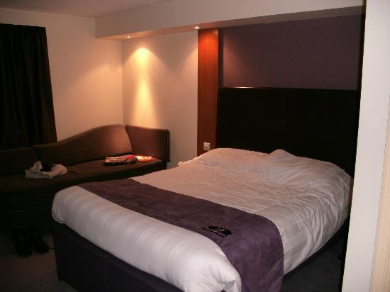 Premier Inn Lowestoft Hotel: Bed View